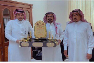 """رئيس بلدية أنبوان يتفقد مكتب الخدمات البلدية بـ """"روض بن هادي"""" ويلتقي رئيس المركز"""