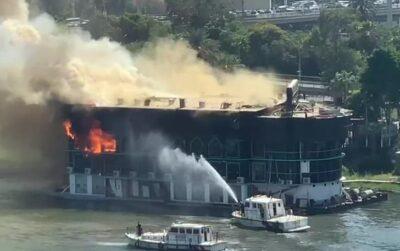 بالفيديو: حريق هائل في مركب نيلي ضخم بالقاهرة.. ولا خسائر بشرية