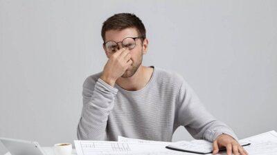 خبراء: 5 نصائح لإدارة الوقت بنجاح والتغلب على «توتر العمل»