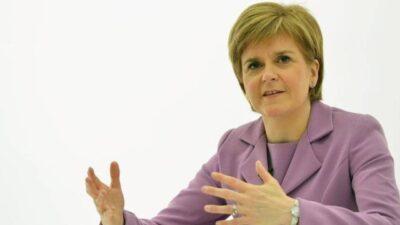 سرقة حذاء رئيسة وزراء أسكتلندا.. والجاني طفلة