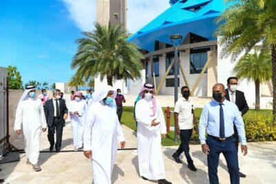 بالصور.. وكيل وزارة الشؤون الإسلامية يقف على الترتيبات لافتتاح جامع الملك سلمان بالمالديف