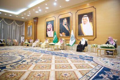 أمير منطقة الباحة يستقبل مدراء الادارات الحكومية بالمنطقة