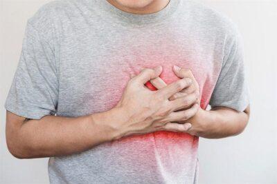 استشاري يحذر: السهر يزيد فرصة حدوث جلطات القلب على المدى البعيد