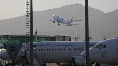 نائب جمهوري: طالبان تمنع إقلاع 6 طائرات تحمل أمريكيين من مزار شريف