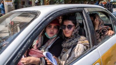 طالبان تستثني عاملات المراحيض من الحظر المفروض على عمل النساء