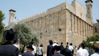 مستوطنون يقتحمون الحرم الإبراهيمي في مدينة الخليل