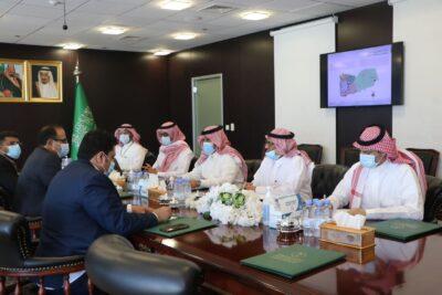 السفير آل جابر يستعرض لوزير الصحة اليمني مشاريع البرنامج السعودي لتنمية وإعمار اليمن في قطاع الصحة