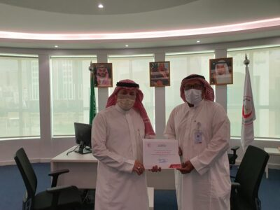 مدير عام فرع هيئة الهلال الأحمر بمكة يكرم الفايزين بملتقى الإبداع الأول بالمنطقة