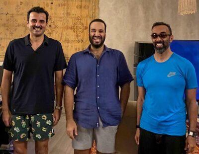 لقاء ودي يجمع الأمير محمد بن سلمان والشيخ تميم والشيخ طحنون في البحر الأحمر