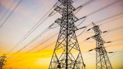 المملكة ومصر توقعان عقود مشروع الربط الكهربائي بتكلفة 1.8 مليار دولار