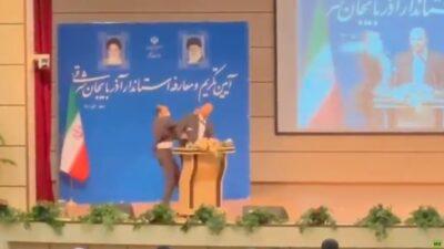 بالفيديو.. مسؤول إيراني يتلقى صفعة قوية أثناء حفل تنصيبه محافظًا لأذربيجان