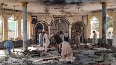 ارتفاع ضحايا تفجير مسجد قندوز بأفغانستان إلى 100.. وداعش يتبنى الحادث