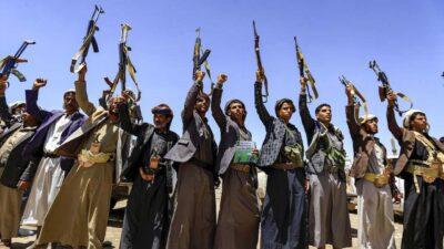 الحكومة اليمنية تطالب بموقف دولي رادع ضد لهجمات الحوثية على السعودية