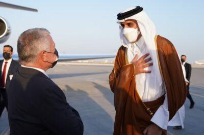 أمير قطر يودع شقيقه ملك الأردن بعد زيارة استمرت يومين