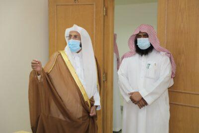 """بالصور.. وزير """"الشؤون الإسلامية"""" يتفقد مقر معهد الأئمة والخطباء الجديد بالرياض"""
