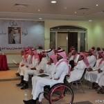 أمير منطقة الرياض يطلع على برنامجين توعويين للشؤون الصحية بالمنطقة