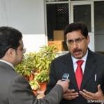 معالي مدير جامعة المجمعة يدشن جناح عمادة التعليم الإلكتروني والتعلم عن بعد