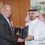 الامير منصور بن متعب يستقبل رئيس  وأعضاء المجلس البلدي بحفر الباطن