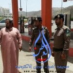 الجهات الأمنية تلقي القبض على عصابة نفذت 42 سرقة وقتل مواطن بالقطيف