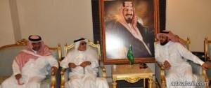 الدكتور جابر القحطاني في لقاء مع اهالي حائل ليناقش ايجابيات وسلبيات التداوي بالإعشاب